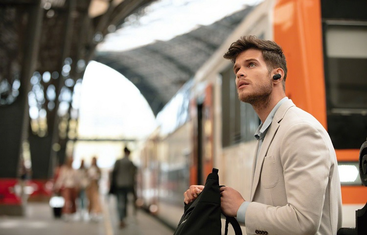 earbuds with noise cancelling functionallity